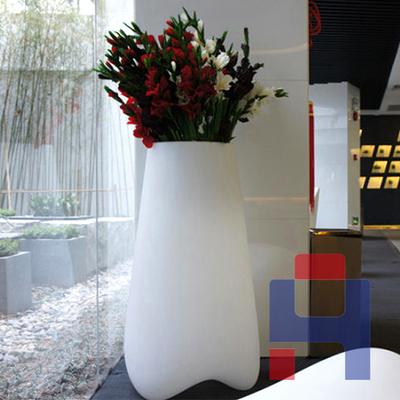 现代简约玻璃钢花瓶