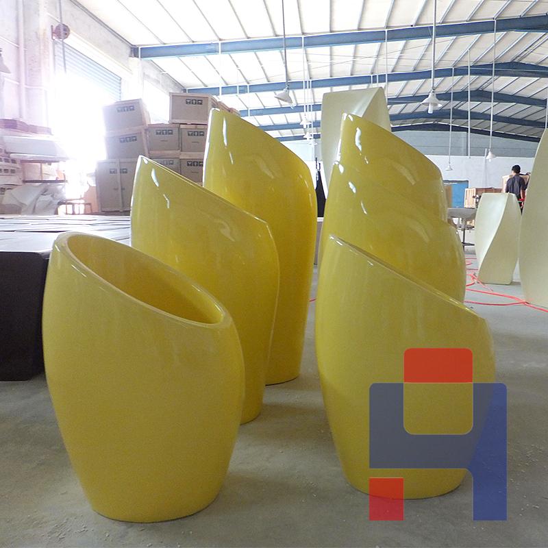 新款玻璃钢黄色花瓶.jpg