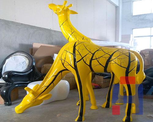 玻璃钢长颈鹿雕塑