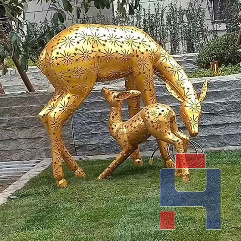 不锈钢子母鹿雕塑.jpg